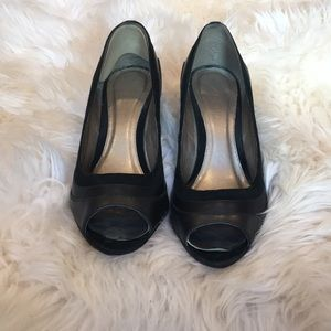 Aldo peep toe, suede trim pumps size 7